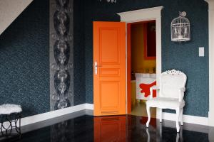 Two-colour panelled door