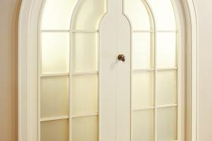 Arched  stylized door, available in other colours