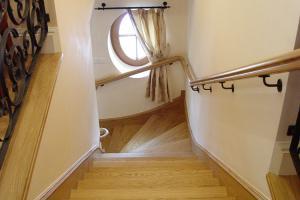 schody zabiegowe dębowe